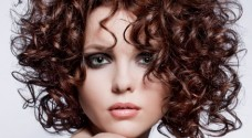 How to Create Frizz Free Curly Hair