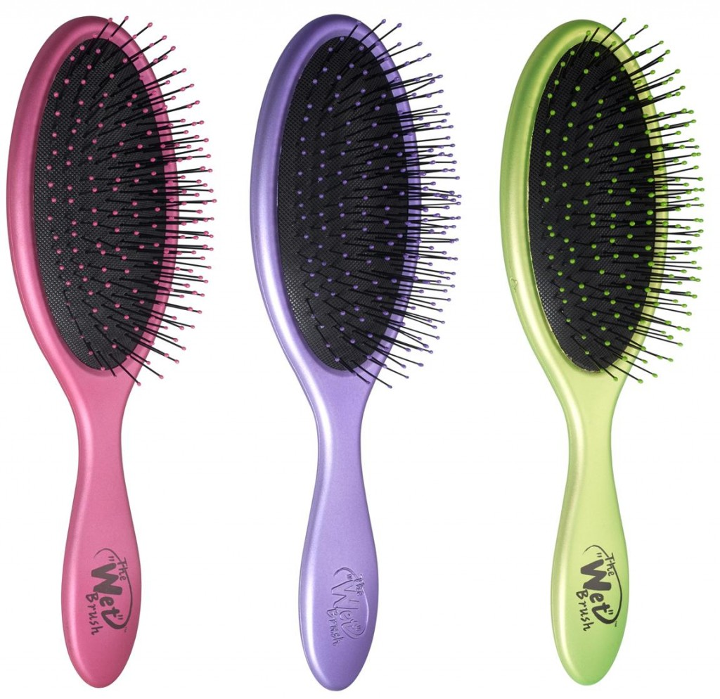 The Wet Brush Detangling Hair Brush in Metallic from iGlamour