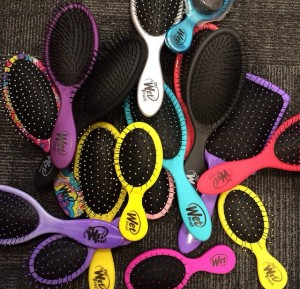 Wet Brush Original and Mini Hair Brushes at i-glamour
